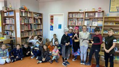Spotkanie w szkolnej bibliotece